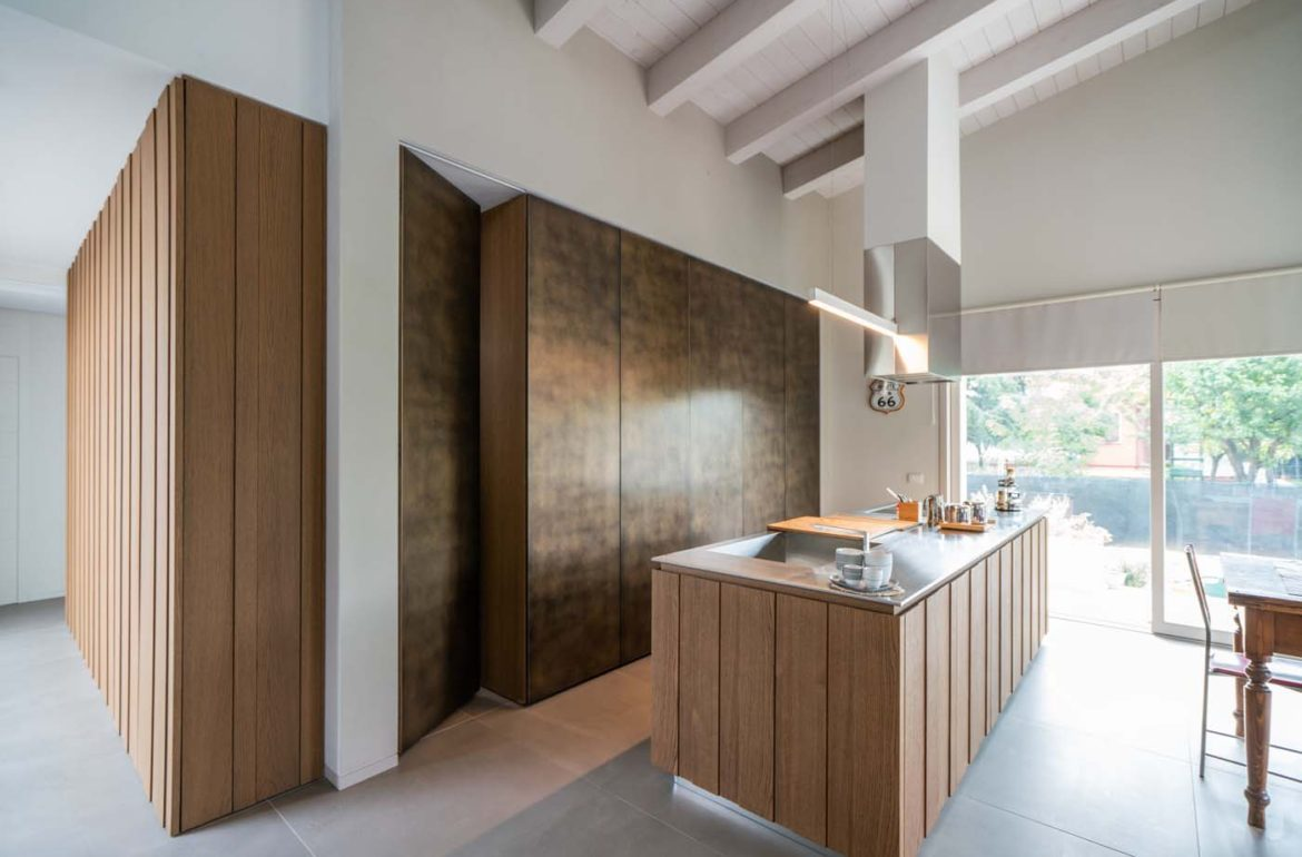 How To Create A Sleek Design For Your Contemporary Kitchen In Los Angeles Keetchen